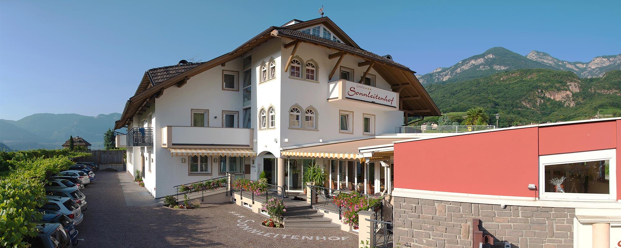 Garni hotel sonnleitenhof am kalterer see kaltern in for Hotel kaltern